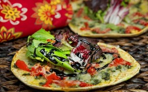 Pesto_Salad_Pizza