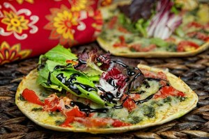 Pesto_Salad_Pizza